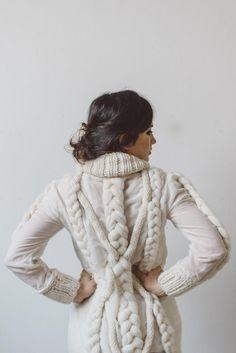 VeryCris for Dhg http://www.dyeinghousegallery.com/en/wool-etamine-and-oversize-yarn-my-oversized-sweater/