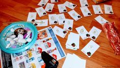 Mărţişoare din scoici, cu perle în interior Playing Cards, Interior, Bead, Indoor, Playing Card Games, Interiors, Game Cards, Playing Card