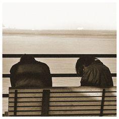 La mer...mais des barreaux qui empêchent d'y accéder : analyse de la pochette du second album de METZ  #¨Pochette #Artwork #Metz