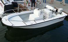 18 Foot Center Console Fiberglass Boat