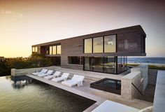 Image 12 of 53 from gallery of Field House / Stelle Lomont Rouhani Architects. Photograph by Matthew Carbone