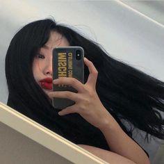 Korean Fashion – How to Dress up Korean Style – Designer Fashion Tips Mode Ulzzang, Ulzzang Hair, Korean Aesthetic, Aesthetic Girl, Korean Photo, Pretty Korean Girls, Girls Mirror, Girl Korea, Foto Casual