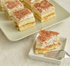 Prajitura cu crema de vanilie - Rețete Papa Bun Sweets Recipes, Cake Recipes, Healthy Recipes, Vanilla Cream, Vanilla Cake, Romanian Food, Caramel, Cheesecake, Food And Drink