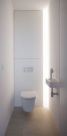 When you're trying to create or remodel a small bathroom, focusing on small bath design is critical. Bathroom Layout, Modern Bathroom Design, Bathroom Interior Design, Contemporary Bathrooms, Bath Design, Bathroom Storage, Interior Decorating, Small Toilet Design, Small Toilet Room