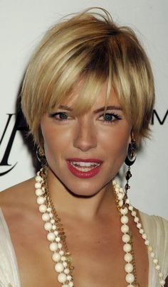 Jewellery For Lady - Short Grey Hair, Very Short Hair, Short Hair With Layers, Cute Hairstyles For Short Hair, Short Hair Cuts For Women, Pretty Hairstyles, Short Hair Styles, Sienna Miller Short Hair, Growing Out Hair