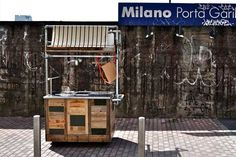 Food trucker: il carrettino di Costanza e Pietro Algranti Enjoy Your Meal, Sustainable Design, Recycled Materials, Street Food, Sustainability, Locker Storage, Recycling, Wood, Furniture