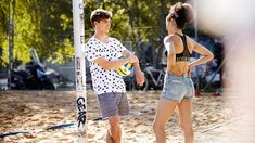 Beachvolley-Boy und Sexy Back STREETSTYLE by #manorlive - www.manor.ch/streetstyle