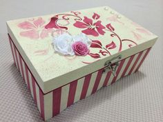 Discover thousands of images about Decoupage box Decoupage Box, Decoupage Vintage, Stencil Art, Stencils, Ceramic Boxes, Borders For Paper, Altered Boxes, Jewellery Boxes, Painted Boxes