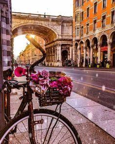 "147 Likes, 7 Comments -  italianoamore  (@italianoamore) on Instagram: ""Present THE PHOTO OF THE DAY February 152017  location  #genova #italy Visito il mio…"""