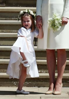 - Photo - Kate Middleton made sure her children Prince George and Princess Charlotte were on their best behaviour on Saturday as they took on their duties as pageboy and bridesmaid at Prince Harry and Meghan Markle's royal wedding Prince Harry Wedding, Harry And Meghan Wedding, Meghan Markle Wedding, Princesa Charlotte, Princesa Diana, Prince Harry Et Meghan, Meghan Markle Prince Harry, Royal Wedding Outfits, Royal Weddings