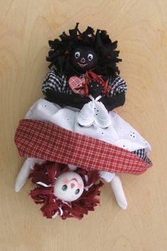 Resultado de imagem para making golly dolls Fabric Dolls, Rag Dolls, Crochet Santa, Raggedy Ann And Andy, Felt Baby, Doll Quilt, Toy Craft, Soft Dolls, Sewing For Kids