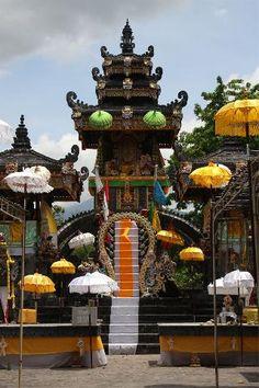 Melanting temple pemuteran