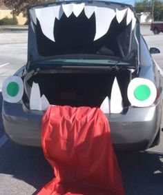 turn your trunk into a monster mouth for trunk or treat