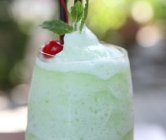 #Cool and #refreshing suitable for hot summer days...#Mint #milkshake
