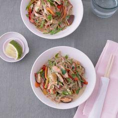ESSEN & TRINKEN - Dinkelnudeln Mit Wok-Gemüse und Kokosmilch Rezept