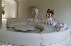 Kim Kardashian and Kanye West have opened the doors to their futuristic Los Angeles mansion, giving fans the first proper look inside the incredible concept home. Kim Kardashian Home, Kim Kardashian Blazer, Kim House, Kim And Kanye House, Myconos, West Home, Concept Home, Minimalist Home, Decor Interior Design