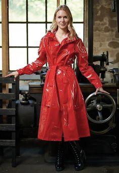 Red Raincoat, Vinyl Raincoat, Imper Pvc, Country Wear, Raincoats For Women, Rain Wear, Ready To Go, Women Wear, Leather Jacket