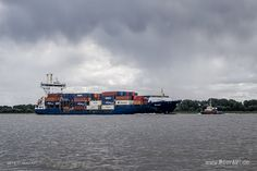 """Feederschiff """"OELAND"""" - IMO 9277400 // #HamburgerHafen #Hamburg #Schiffe #Containerschiff #Feederschiff #Hafen #OELAND / gepinnt von www.MeerART.de"""