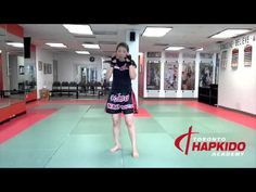 Beginner Muay Thai Gym in Toronto | Level 1 8-count footwork - YouTube