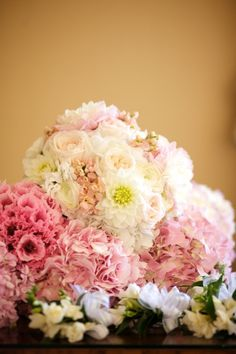Variegated Pink Bouquets | photography by www.artisanevents.com