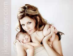 Photography:  DOZENS of NEWBORN & BABY photo poses - STUNNING WORK!