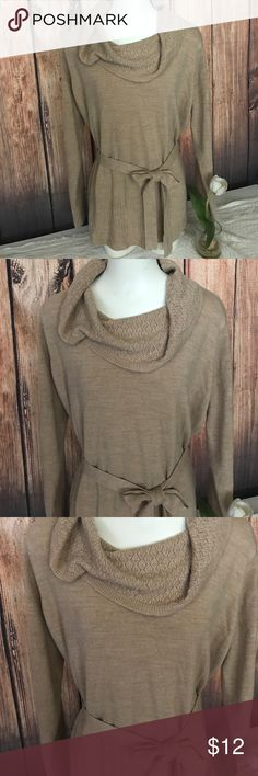Jaclyn smith cowl neck sweater XL Jaclyn Smith cowl neck sweater XL tan, very soft, comfortable, lightweight. GUC. Sweaters Cowl & Turtlenecks
