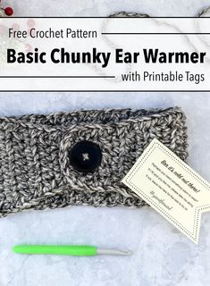 Use this free crochet pattern to make a basic chunky ear warmer perfect for selling or donating. This beginner friendly pattern works up fast and is a great one skein/scrap project. Find the free pattern and printable random acts of kindness tags on Crochet Scarf Easy, Chunky Crochet, Crochet Yarn, Free Crochet, Beginner Crochet, Easy Crochet Headbands, Crochet Ear Warmer Pattern, Crochet Headband Pattern, Crochet Patterns For Beginners