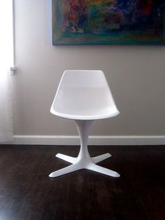 Vintage Mid Century Saarinen Burke Style White by rhanvintage, $140.00