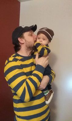"""*** It's Daddy Thursday!!! ***  Sent in by Tracy!  """"A picture of my world. Ian and daddy!"""""""