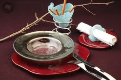 Glass soup plate with silver rim and deep red show plate designed by www.the-glass-co.com Ask us at info@myglassstudio.com