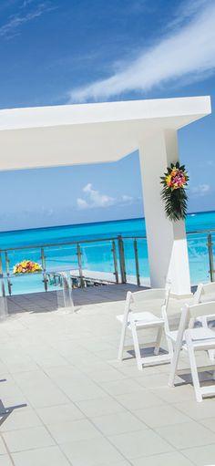 Riu Cancun - Destination wedding - gazebo altar - seafront ceremony - Mexico - Wedding By RIU