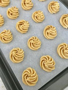 Coffee Kisses New Recipes, Cookie Recipes, Dessert Recipes, Mango Cream, Puff Pastries, Coffee Cookies, Bunt Cakes, Fancy Desserts, Cannoli