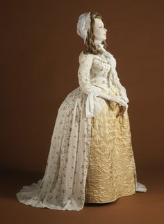 Woman's Robe à l'Anglaise | LACMA Collections England, circa 1790 Printed cotton Center back: 60 1/4 in. (153.04 cm)