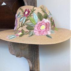Cowboy Hats, Fashion, Embroidered Hats, Sombreros, Moda, La Mode, Fasion, Fashion Models, Trendy Fashion