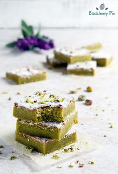 Pistachio cheese- Tenerina al pistacchio TENERINA AL PISTACCHIO A super tasty version of the classic cake from Ferrara. Recipe with step by step procedure with photos! Sweets Cake, Cupcake Cakes, Cupcakes, No Bake Desserts, Delicious Desserts, Dessert Recipes, Biscotti, Cobbler, Sweet Recipes