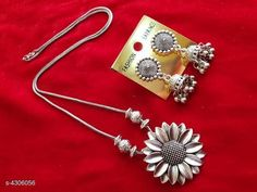 Checkout this latest Jewellery Set Product Name: *Stylish Women's Jewellery Set * Easy Returns Available In Case Of Any Issue   Catalog Rating: ★4.1 (1178)  Catalog Name: Feminine Stylish Women's Jewellery Sets Vol 11 CatalogID_617359 C77-SC1093 Code: 641-4306056-942