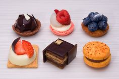 Three cheers for petit fours!  All restaurants should offer mini desserts.