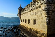 Lisbon, Portugal: The Best of the City in 2 Days - the unending journey There's no shortages of how to fill your Lisbon itinerary. Read about the highlights of the city and suggestions on how to extend your time there. Day Trips From Lisbon, Lisbon Portugal, Old City, Capital City, Mount Rushmore, Rome, Journey, London, Explore