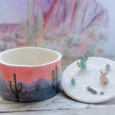 Ceramic Boxes, Ceramic Clay, Ceramic Pottery, Pottery Art, Pottery Ideas, Clay Art Projects, Ceramics Projects, Ceramics Ideas, Ceramic Jewelry