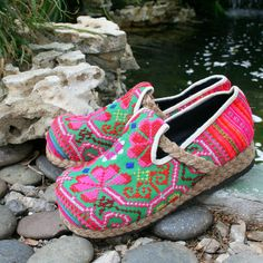 Womens Loafer, Hmong Embroidered Moccasin Shoe A cozy , comfy slipon shoe in a great mixture of bright colors  The Casey Lodge Loafer  Handmade, every pair is unique.  Hmong embroidered cotton uppers 1/2.54 cm rope trimmed heel Black cotton insoles Rubber soles  See more unique ethnic shoes in our shop here  https://www.etsy.com/shop/SiameseDreamDesign?section_id=11323637  Created with re-purposed Hmong textiles  The Hmong are an ancient tribe of mountain people who migrated from China in…
