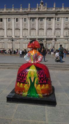 Estáis de ruta por Madrid!? No dejéis de visitar las meninas que han salido a la calle para incentivar el turismo de compras. #AntonioAzzato #cultura #MadridSV #Spain #Madrid #IgersSpain #IgersMadrid #MadeinSpain #VisitSpain #Meninas #Velazquez #MadridES #MeninasMadridGallery #MeninasMadrid Madrid, Prado, Snow Globes, Street Art, Instagram, Student, Hipster Baby Girls, Spain, Shopping