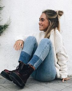 Doc Martens have been in style for almost 60 years, discover what made them so popular. We also discuss how to wear them in style! Cute Travel Outfits, Cute Outfits, Casual Fall Outfits, Holiday Outfits, White Doc Martens, Doc Martens Outfit, Spring Boots, Costume, Winter Wear