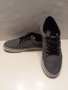 6065463fb6 Excellent Used Condition Vans Gray low too Skate Shoes.