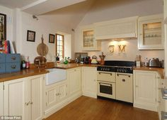 Jamie Dornan 'puts Cotswolds cottage up for sale for £500k' #dailymail