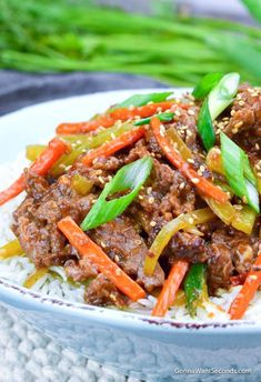 Our Easy Szechuan Beef will take care of your Chinese food takeout cravings! A little advanced prep, this recipe can be on your dinner table in 30 minutes. Meat Recipes, Asian Recipes, Cooking Recipes, Ethnic Recipes, Chinese Recipes, Hawaiian Recipes, Chinese Food Take Out, Szechuan Beef, Quick Stir Fry