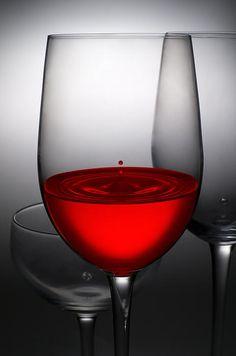 Setsiri Silapasuwanchai- drops of wine