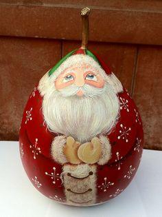 Lynne's Gourd Art's Santa.