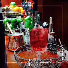 Un cocktail rosso come il… Lago di Tovel! Scopri la leggenda legata alle sue acque e il cocktail di Simone Sartorelli. #cocktail #red #colorful #bloodred #wine #winecocktails