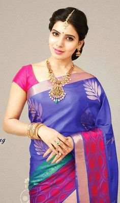 Jewellery Designs: Telugu actress Samantha wears a beautiful Lakshmi Necklace and completes her look with jhumiks/jhumkas and maang tikka. Samantha In Saree, Samantha Photos, Samantha Ruth, Indian Jewellery Design, Indian Jewelry, Jewellery Designs, Bridal Jewellery, Indian Beauty Saree, Indian Sarees