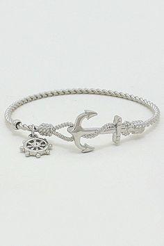 Love the anchor #bracelet